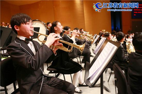 南丰小学管弦乐团奏响新年乐章(图)