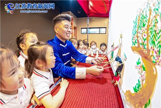 传统文化进校园 孩子玩转皮影戏(图)